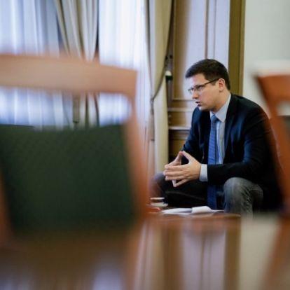 """Gulyás Gergely a """"vastörvényről"""", Szájerről, Gyurcsányról és arról, hogy egy év múlva a Fidesz még a Néppártban lesz-e"""