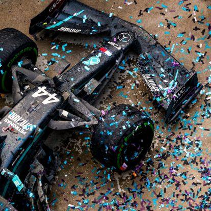 A Mercedes aláírt a címvédővel