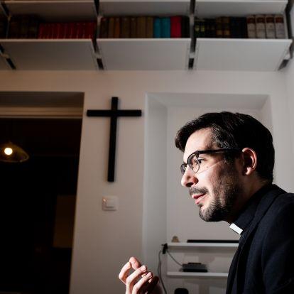 """""""Az evilági hatalom óhatatlanul korrumpálja az egyházat"""" – Gájer László a liberalizmus és a katolicizmus kibékítéséről"""