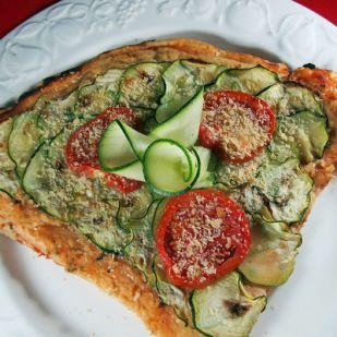 """Vegán """"sajtos"""" pizza"""