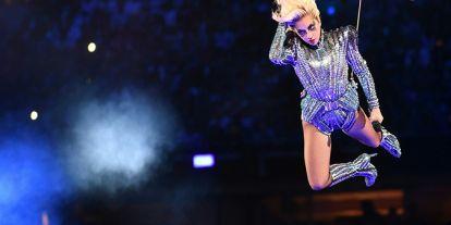 Lady Gaga volando por los aires o la emoción de Whitney Houston: repasamos los momentazos de la Super Bowl