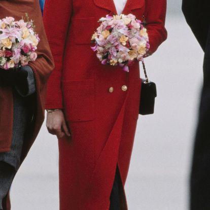 El secreto del abrigo de Chanel que lleva Kristen Stewart interpretando a Lady Di