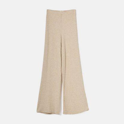 ¿Unos pantalones cómodos que estilicen y no pasen de moda? Invierte en los 'palazzo'