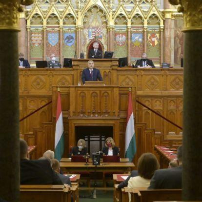 Érzéketlen, szánalmas, tolvaj, kuruzsló – reagált az ellenzék Orbán beszédére