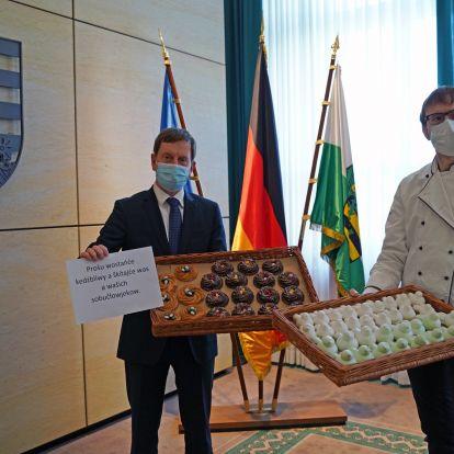 Szász miniszterelnök: Idén nem lesz húsvéti szünet!