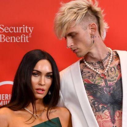 Megan Fox vérét hordja a nyakában az új szerelme, Machine Gun Kelly