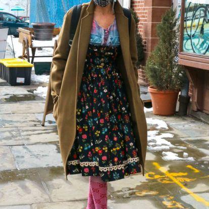 Sarah Jessica Parker hace un guiño 'mix & match' a Carrie Bradshaw con su look más excéntrico