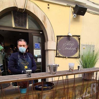 A horvát kormányfő egy fiumei kávézóssal hadakozik, miközben válságot kellene kezelnie