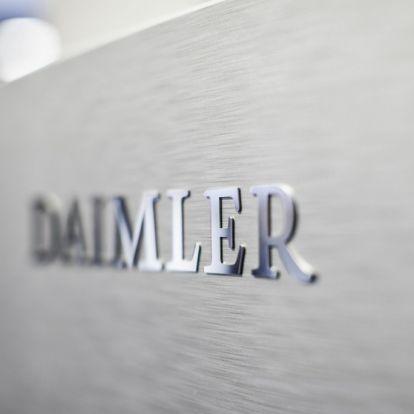 Közösen fejleszt Euro VII-es motorokat a Daimler és a Cummins