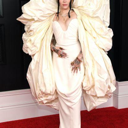 Noah Cyrus' 2021 Grammys Dress Was So Dreamy