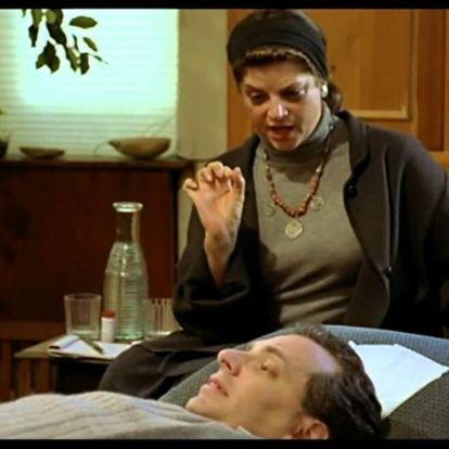 """""""A pszichoterapeutáddal a kezelés végére tuti, egymásba szerettek"""" – Filmes közhelyek és a valóság"""