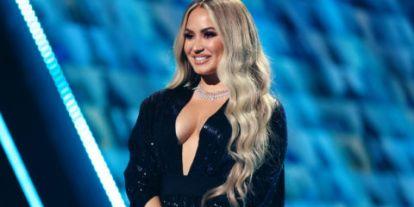 Demi Lovato új kilpjében újraéli a túladagolásának éjszakáját
