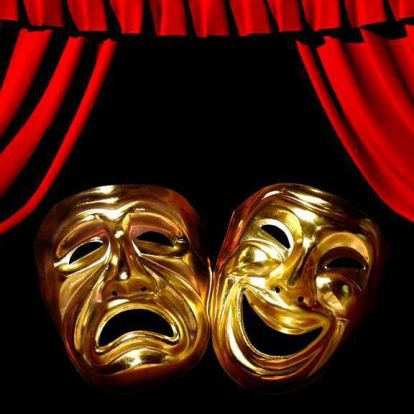Egy online tanóráról készült előadás a Szegedi Nemzeti Színházban
