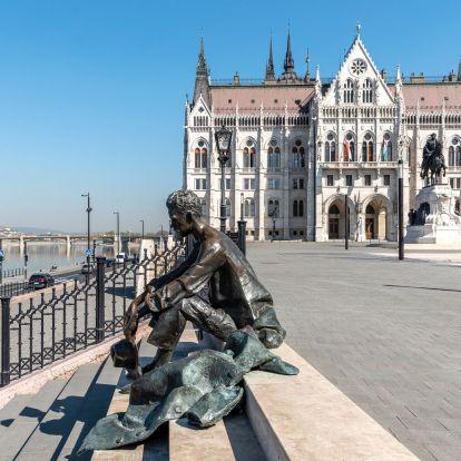 A költészet napját 65 éve ünnepeljük – Megmutatjuk, Budapest milyen szobrokkal tiszteleg a versírás előtt