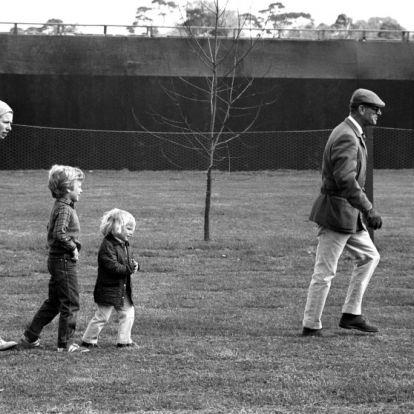Ilyen volt a kapcsolata Fülöp hercegnek a 8 unokájával és a 10 dédunokájával – friss fotók