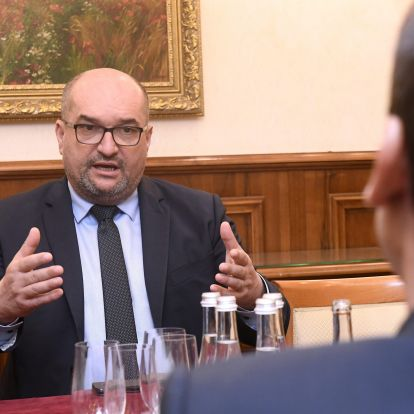 Foreign Minister Expects Ukraine to Respect Hungarian Community's Rights