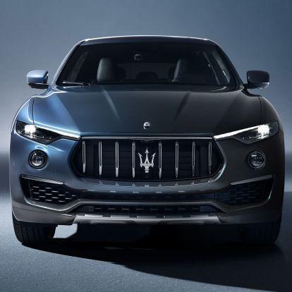 Már a Maserati szabadidő-autója is hibrid lett