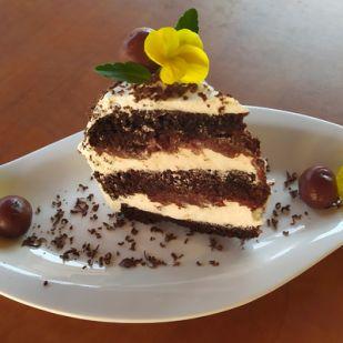 Gluténmentes fekete erdő torta