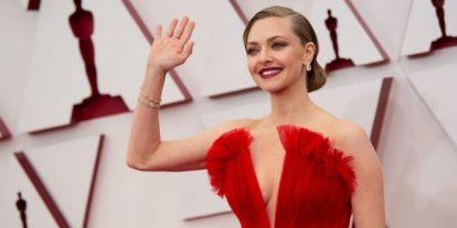 Κόκκινο χρυσό: Δύο ήταν τα χρώματα που μονοπώλησαν το ενδιαφέρον μας στο red carpet των Oscars 2021