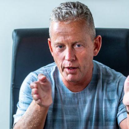Schobert Norbi élőzte, ahogy beoltották: Igyekeztem, hogy ezt megússzam