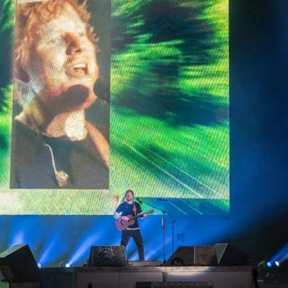 Ed Sheeran szponzorálja a kedvenc focicsapatát