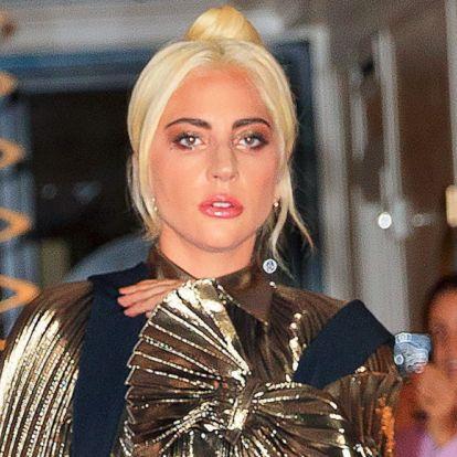 Csak a cipő árulkodik arról, hogy ez a nő a képen Lady Gaga