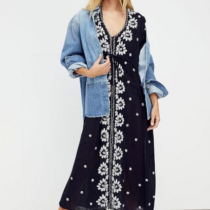 10 summer dresses that can actually be worn with a bra