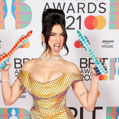 Női előadók dominálták a Brit Awards-gálát, Dua Lipa duplázott