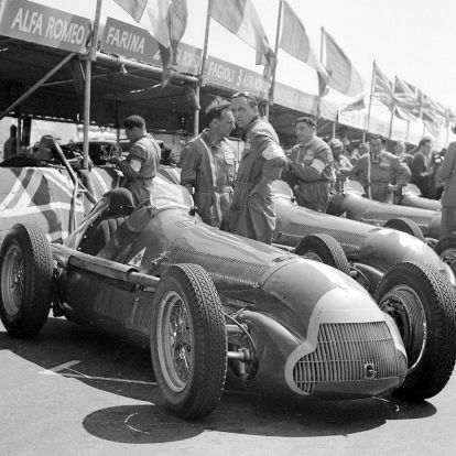 Archív felvételen mutatjuk a világ legelső F1-es futamát