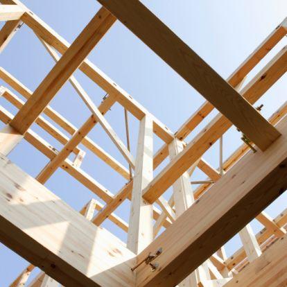 Itt a matek: ennyivel olcsóbb ha így építed fel a házad, nem pedig téglából