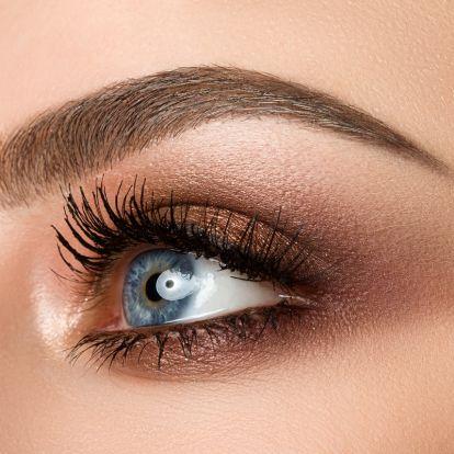 A legjobb sztársminkek kék szemekhez: 5 nő, aki tökélyre vitte a füstös árnyalást