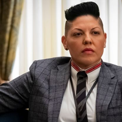 Sara Ramirez lesz az első nembináris színész a Szex és New York folytatásában