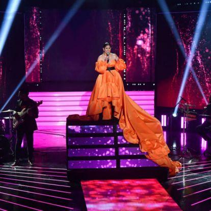 Radics Gigi elképesztő ruhában állt színpadra