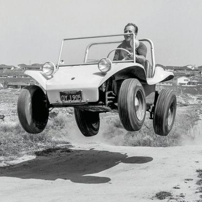 Szörfdeszkától a homokfutóig – Bruce Meyers (1926-2021)
