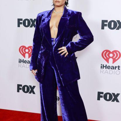 Demi Lovato drámai mullet frizurára váltott