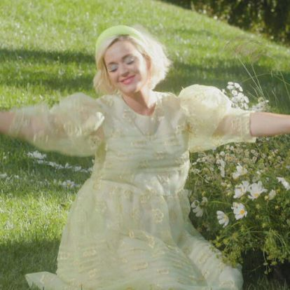 Hoppá, Katy Perry a közelben nyaral
