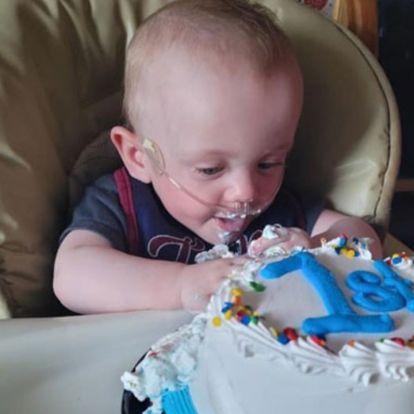 Egyéves lett a kisfiú, aki 34 dekásan született, és az orvosok nem láttak esélyt a túlélésére