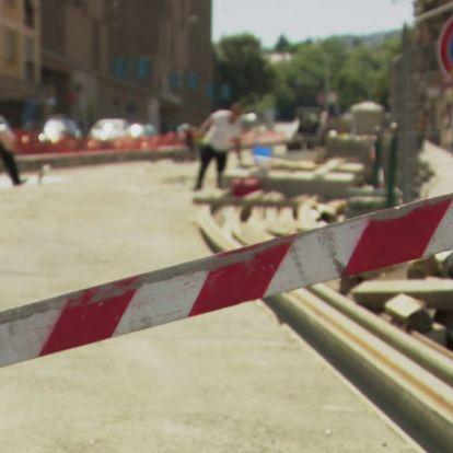 A dugókat elkerülő utakat is ellehetetleníti a fővárosi vezetés