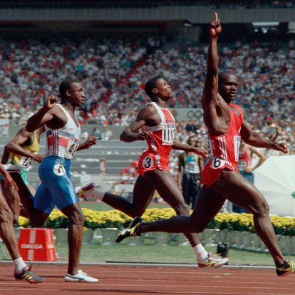 Kilenc olimpiai aranyat nyert a 20. század legjobb sportolója – 60 éves Carl Lewis