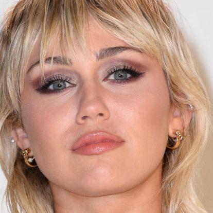Miley Cyrus új frizurájára nincsenek szavak