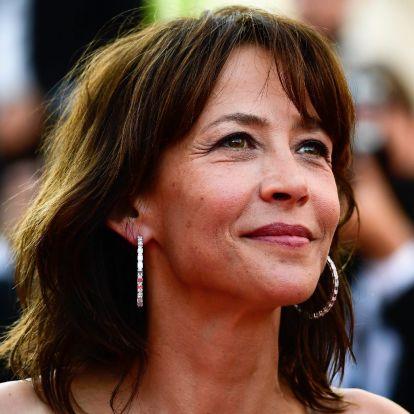 Sophie Marceau valósággal tündökölt Cannes vörös szőnyegén