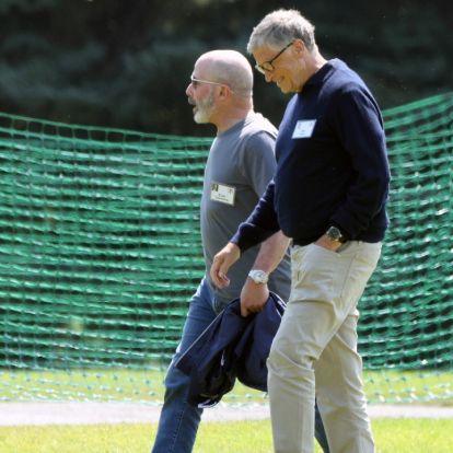 Összeesküvés-elmélet hívők, figyelem! Egy helyen látták Mark Zuckerberget, Jeff Bezost és Bill Gates-t
