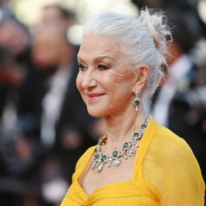 A 76 éves Helen Mirren mindenkit túlragyogott napsárga ruhájában: a leggyönyörűbb ruhák a cannes-i filmfesztiválon