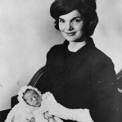 Kennedy-átok? 22 éve zuhant le repülőgépével Amerika hercege, ifjabb JFK