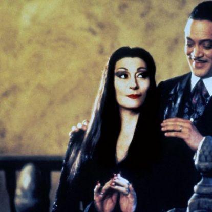 Addams Familybe fojtva sokkal jobb Dobó Kata új filmjének szirupos előzetese