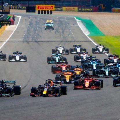 F1: Hamilton nyert, miután kilökte Verstappent