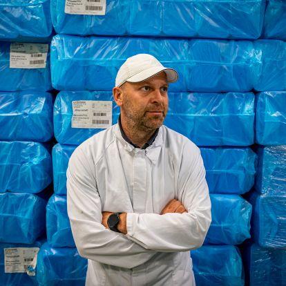 Napi ötezer nyisszantással látják el Európát – betiltásból született a hazai kósersiker