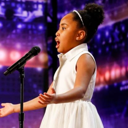 9 éves operaénekes kislány tarolt a tehetségkutatóban – videó