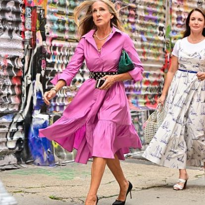 A Fashion Psychologist on What Carrie Bradshaw's New Outfits Are Saying