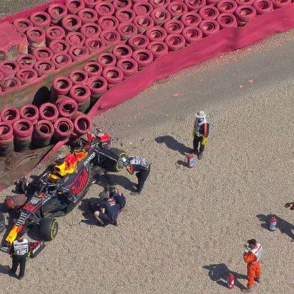 Látványos animáción Hamilton és Verstappen ütközése